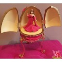 barbie RESIN EGG boite à musique oeuf résine COUNTESS of RUBIES Royal Jewels Collection 2000 Mattel AVON F663591