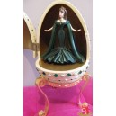 barbie RESIN EGG boite à musique oeuf résine EMPRESS of EMERALDS Royal Jewels Collection 2000 Mattel AVON F743771
